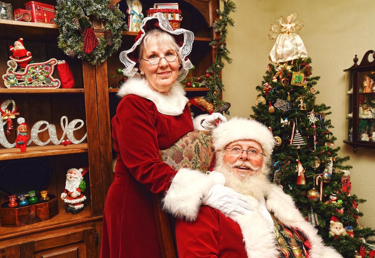 Santa and Mrs. Claus, horizontal