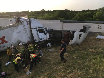 FedEx truck crash disrupts 35W traffic | News | dentonrc com
