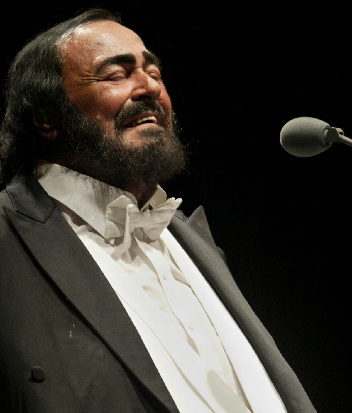 FILES-ENTERTAINMENT-ITALY-MUSIC-PEOPLE-PAVAROTTI-DEAD