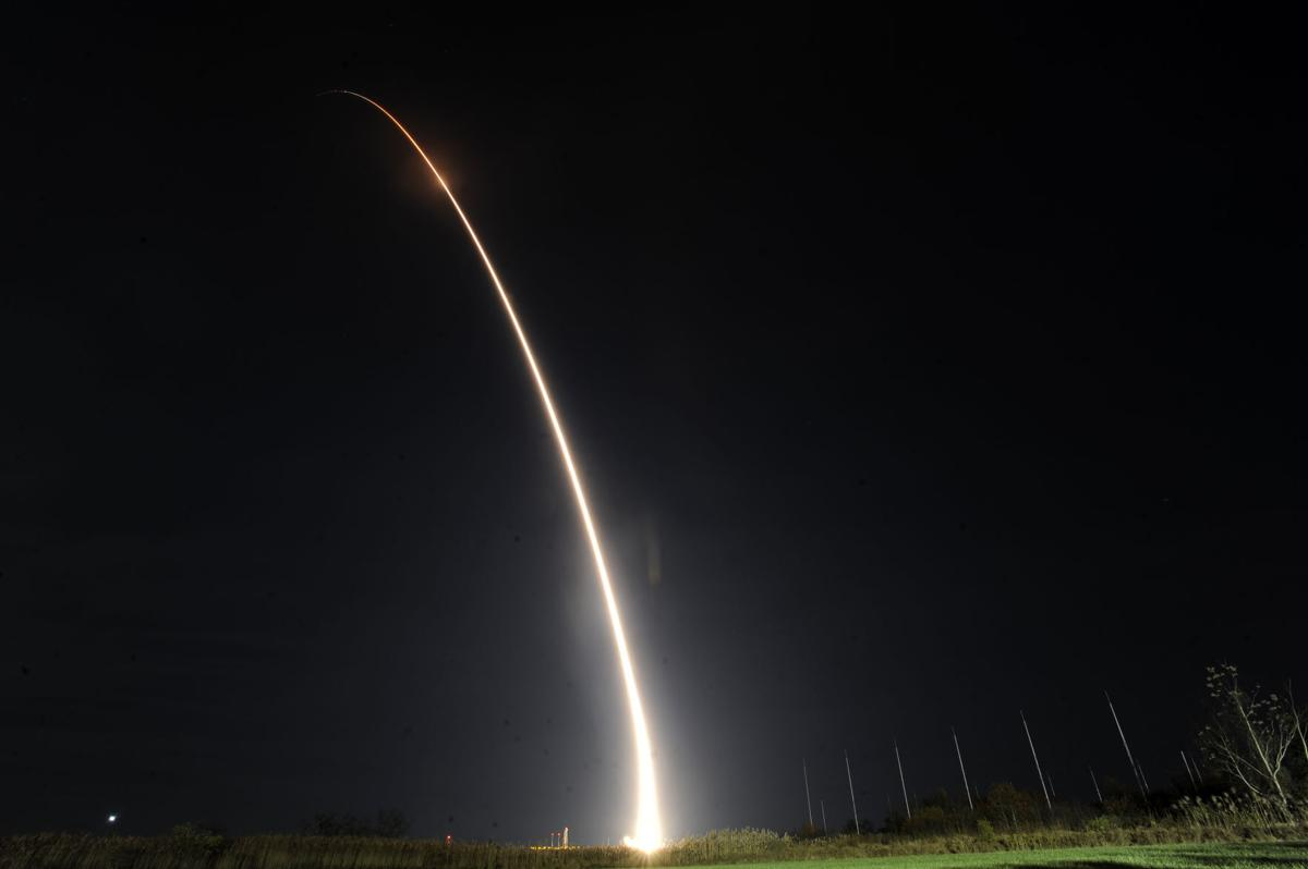 Space Command puts 29 satellites into orbit with single lauch