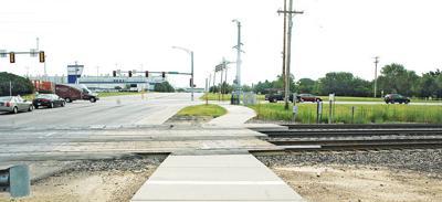 New sidewalk will reach Warren Riverview Park