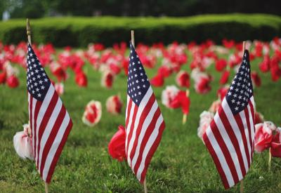 memorial-day-american flags-flowers_pixabay.jpg