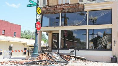 Front of downtown Mulvane building collapses