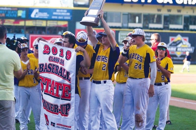 sabers with trophy and banner18 crxps.jpg