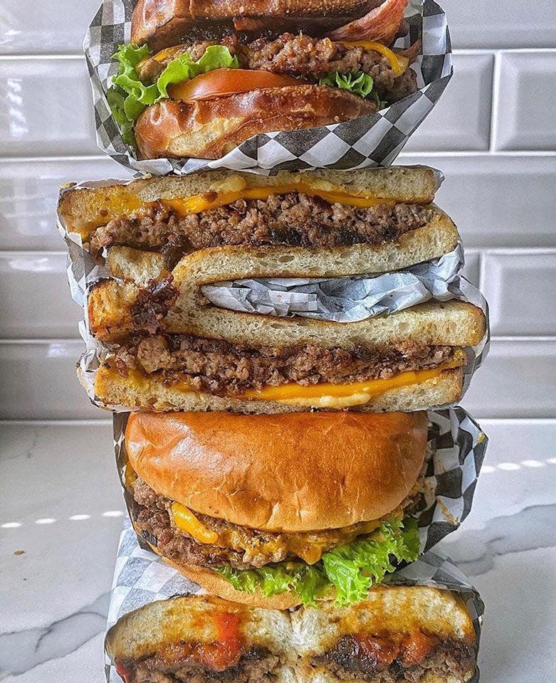 Courtesy-of-Malibu's-Burgers1.jpg