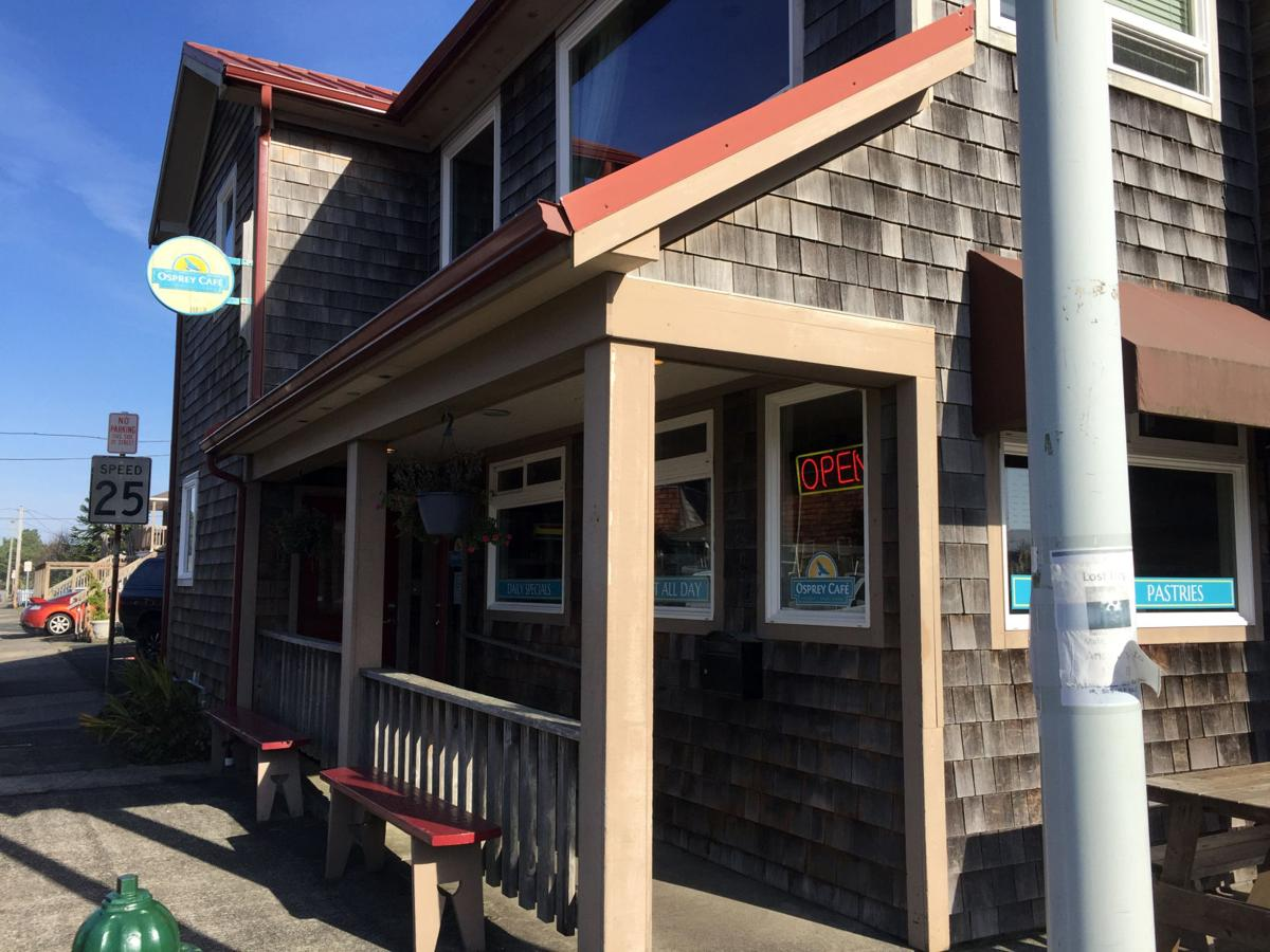 Our friendly Seaside neighborhood Ken & Sons Market, Osprey Cafe, U Street Pub are right within walking distance.