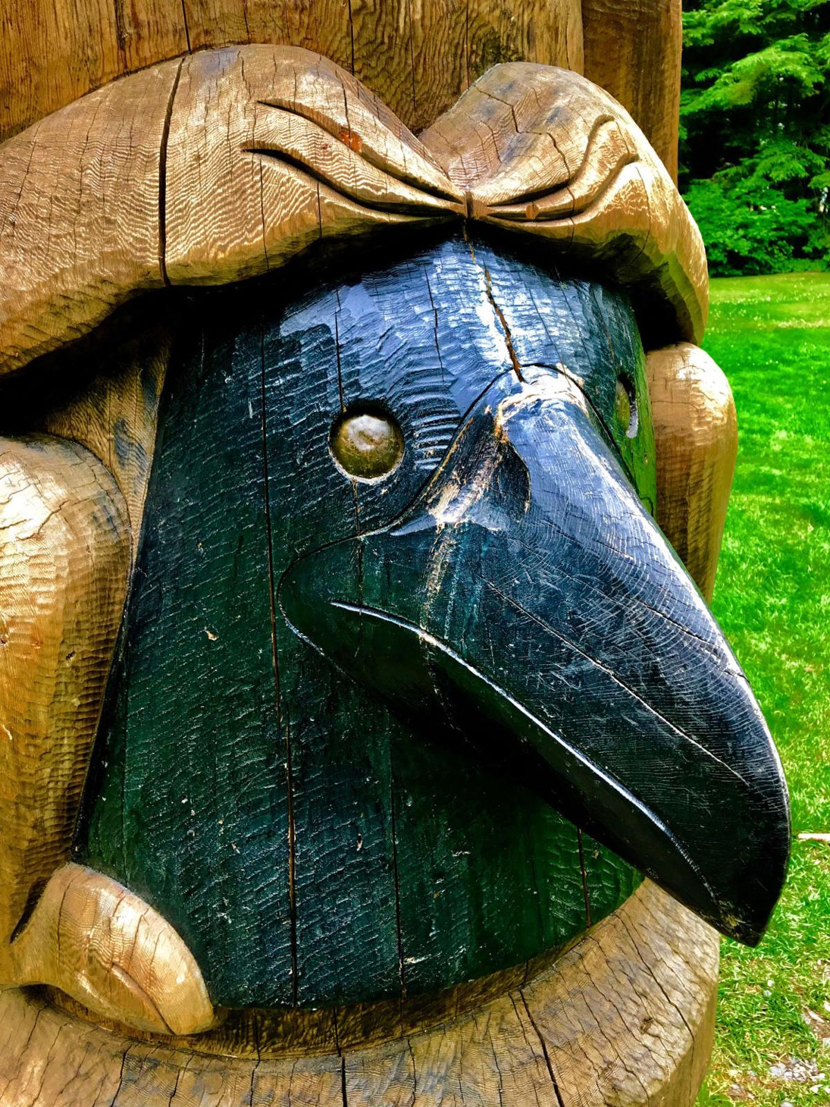 Raven carving