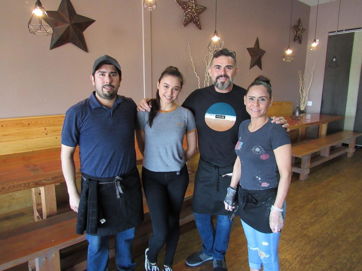 El Catrin staff
