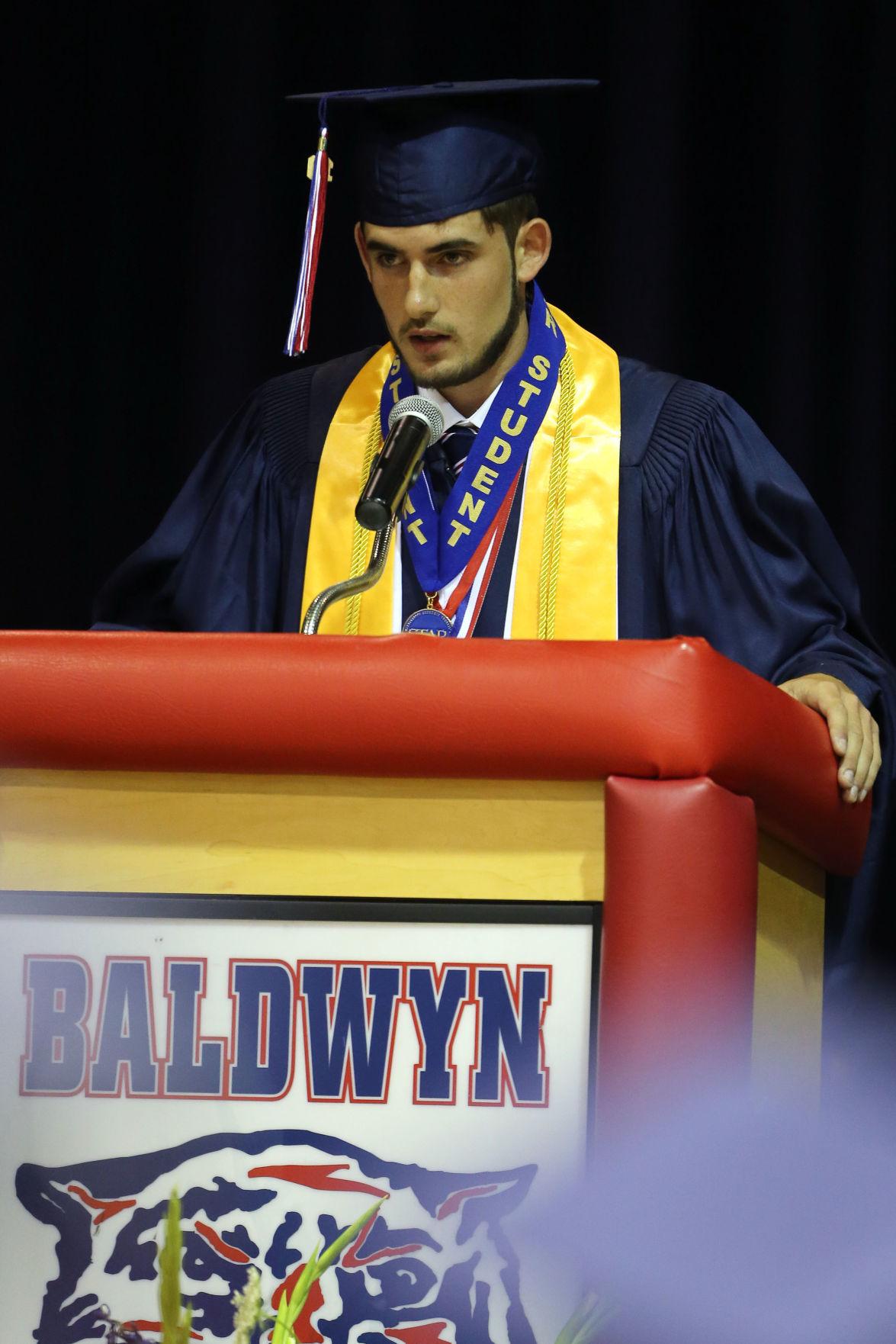 djr-2019-05-25-news-baldwyn-graduation-arp7