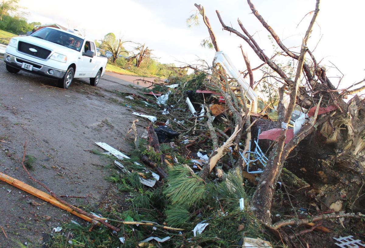 mcj-2019-04-17-news-tornado-debris-pile