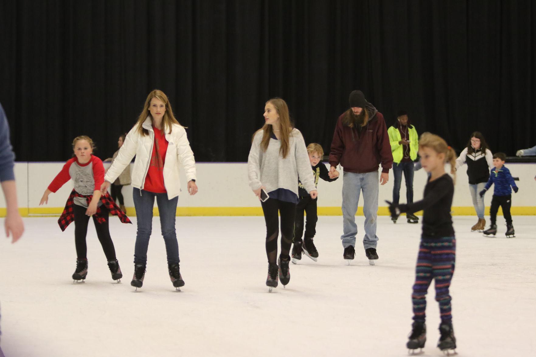 djr-2019-11-07-scene-bcsa-skating