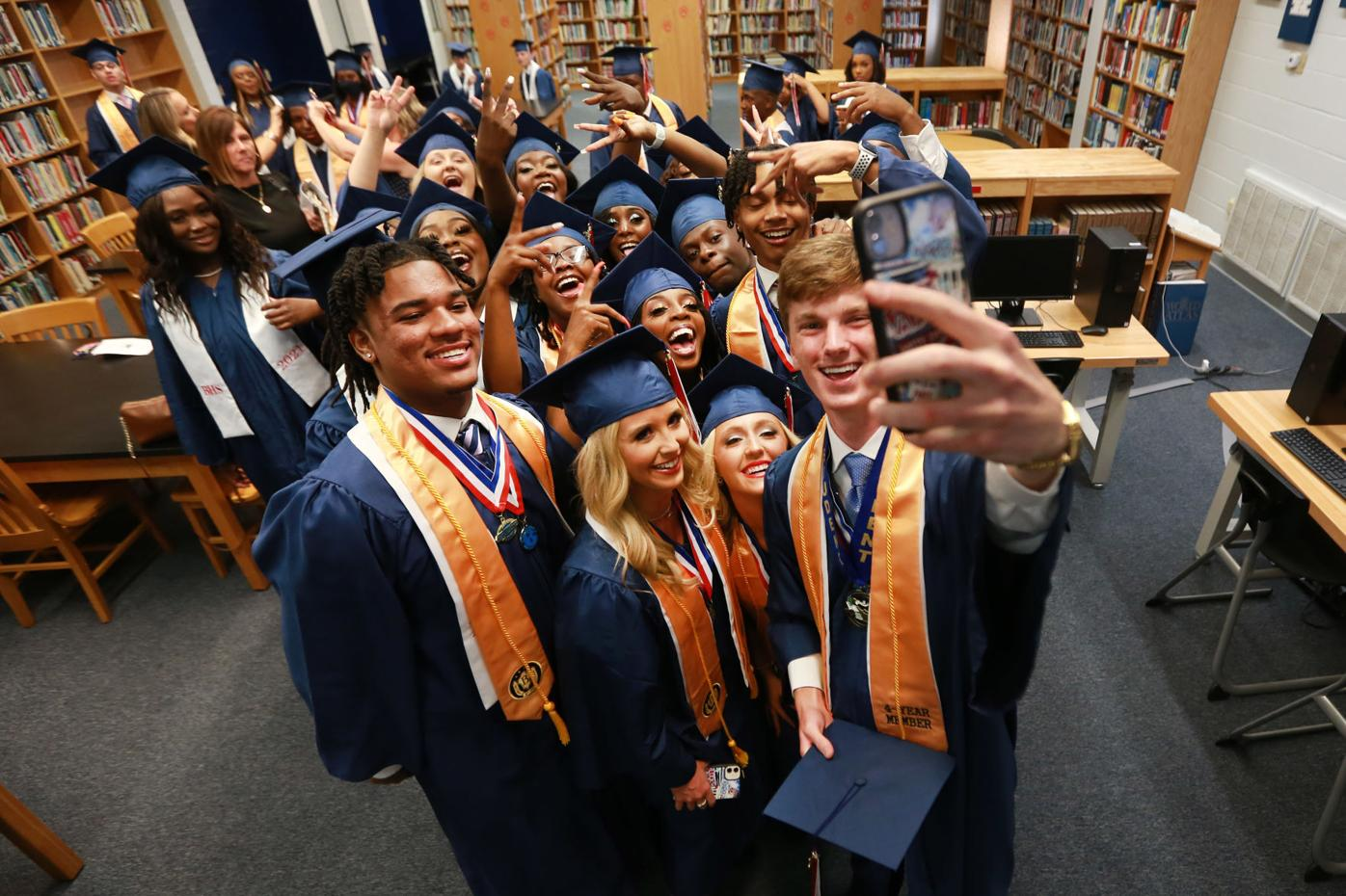 djr-2021-05-30-news-baldwyn-graduation-arp1