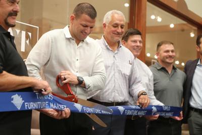 djr-2019-08-16-news-behold-home-ribboncutting-arp1