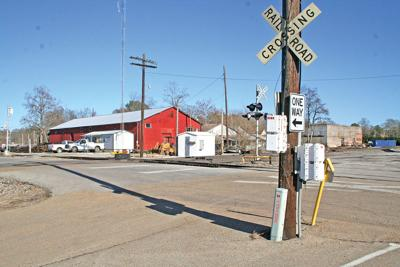 Railroad Ave. crossing closed for repairs