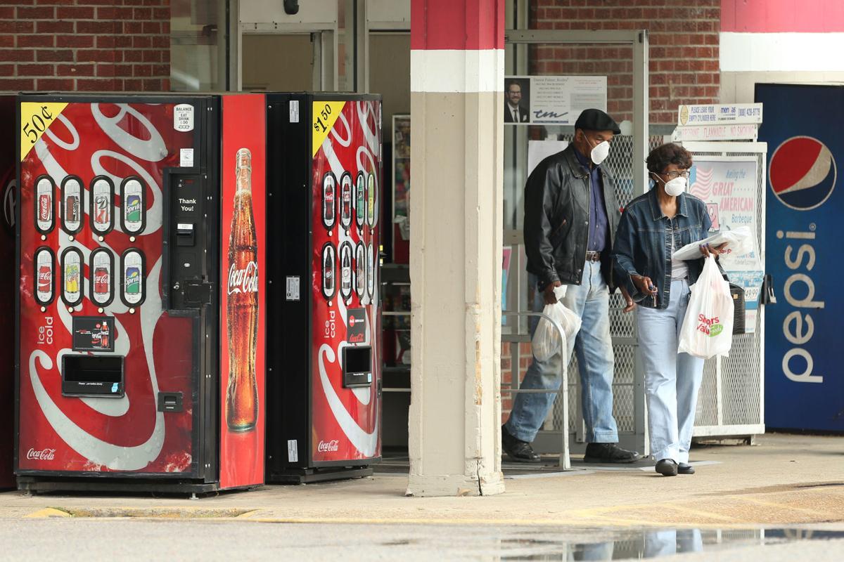 djr-2020-04-29-news-tupelo-shoppers-coronavirus-arp2