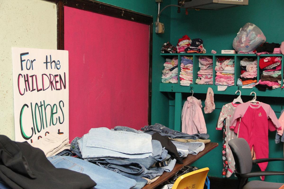 Clothes closet 02