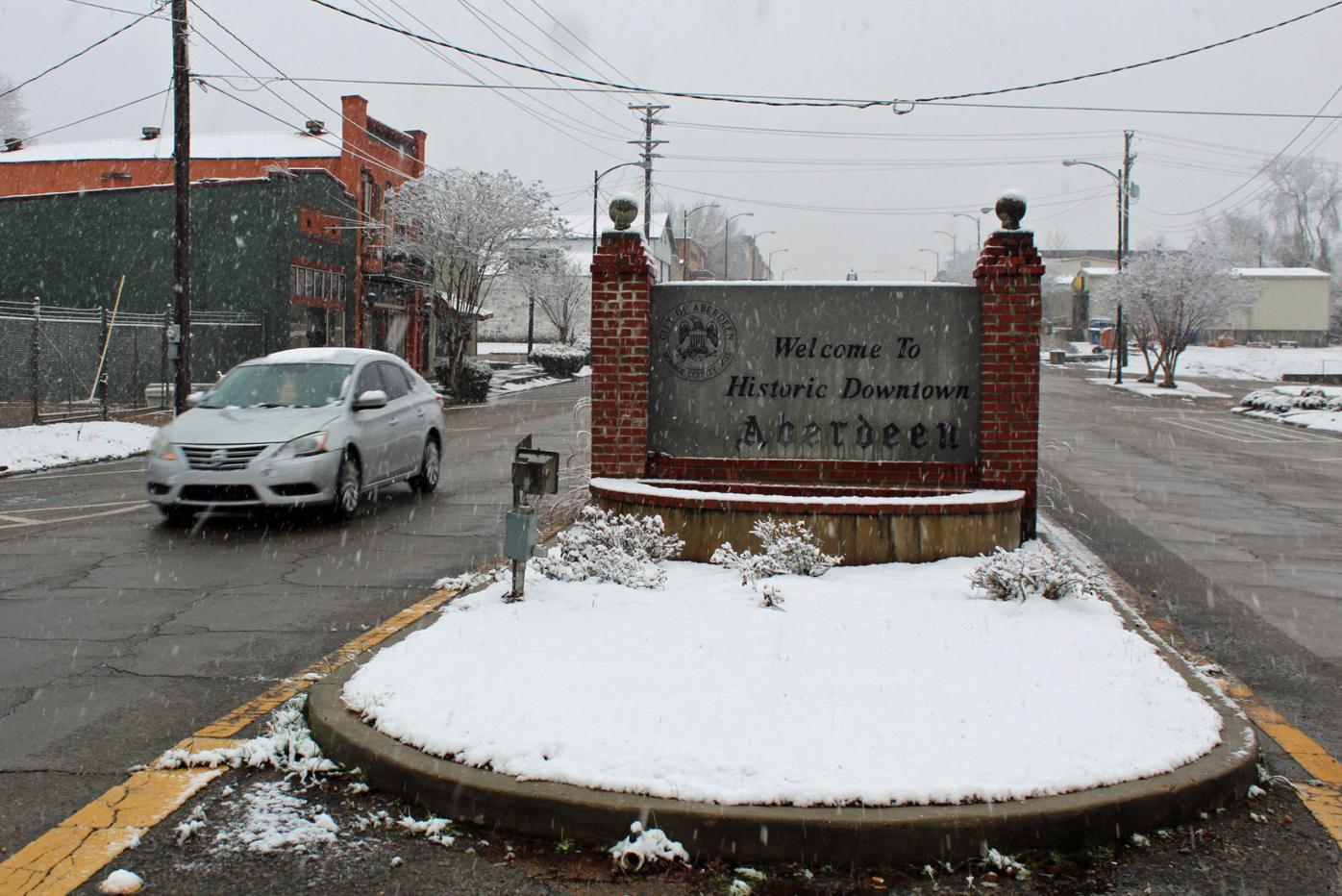 mcj-2021-01-13-news-snow-downtown-aberdeen