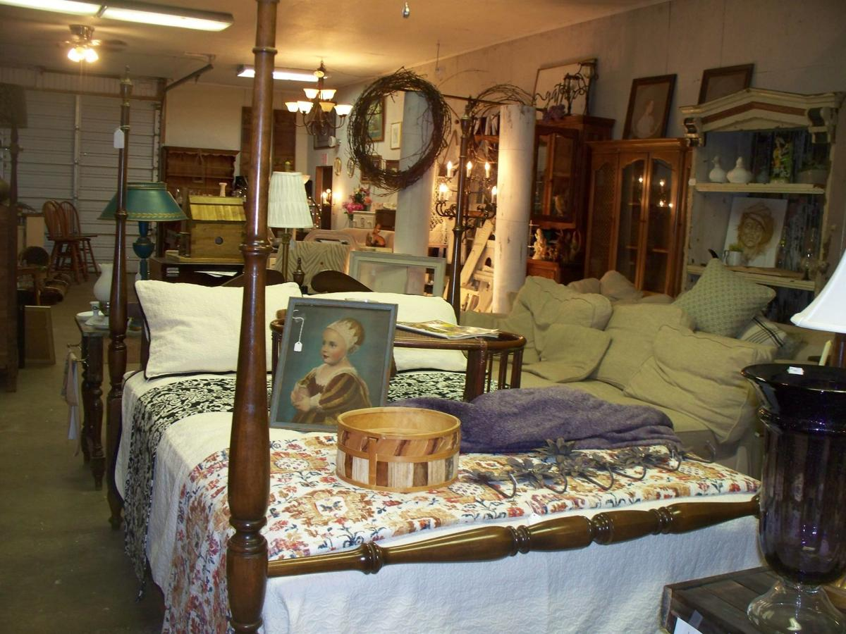 mcj-2020-06-10-news-country-antiques-bed