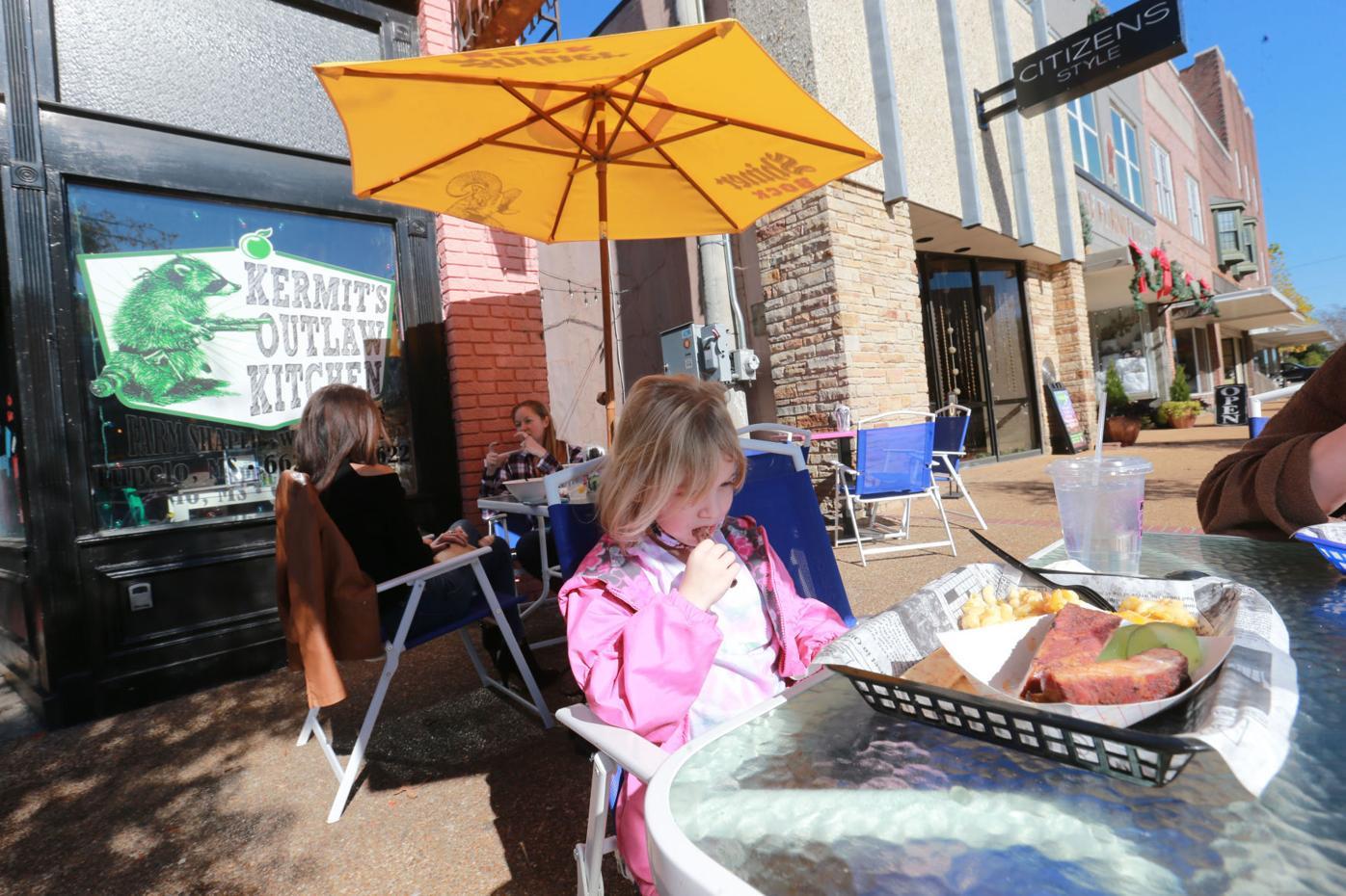 djr-2020-11-22-news-outdoor-dining-twp3