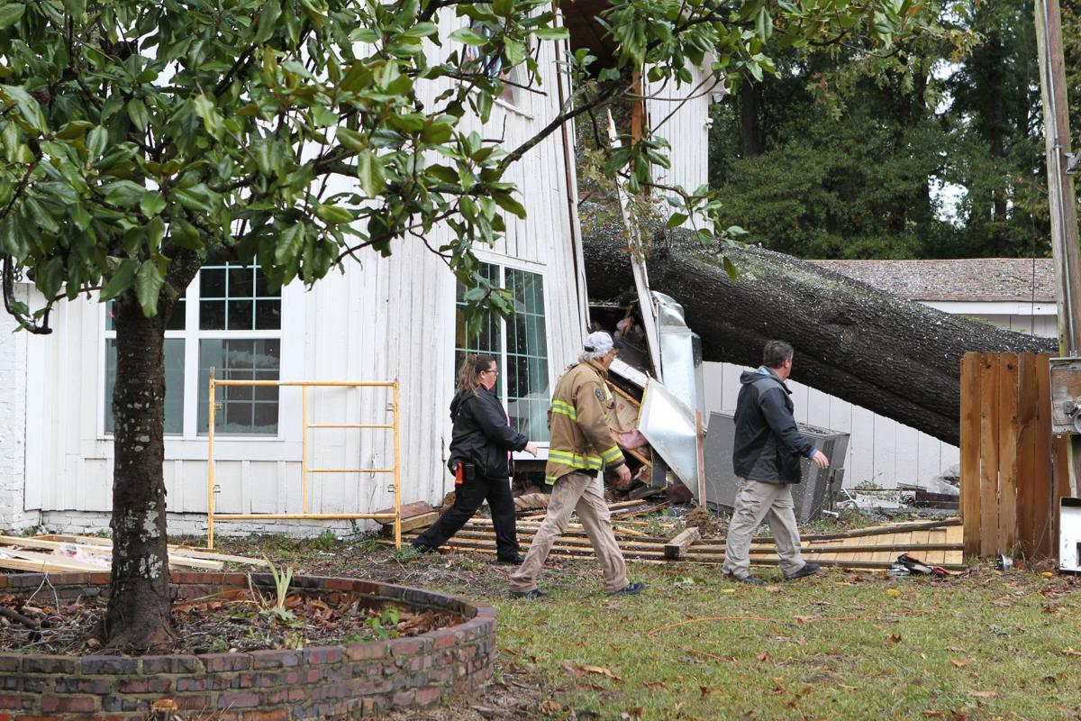 djr-2019-10-27-news-storm-damage-twp3