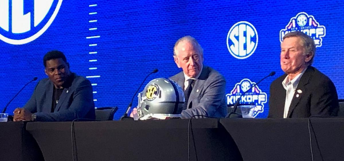 Back in the neighborhood, Manning recalls historic loss to Alabama