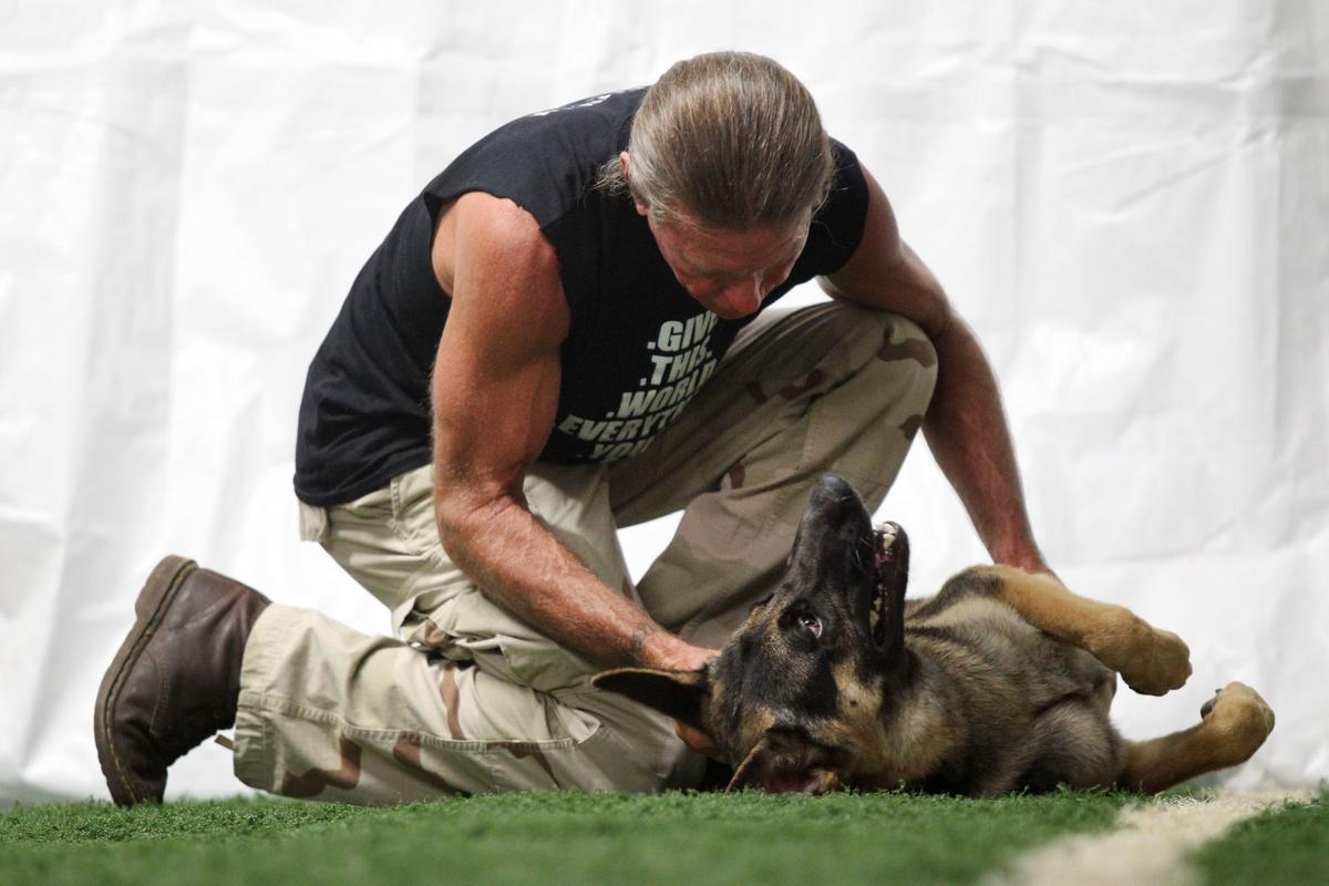 djr-2018-08-14-news-dog-donationp2