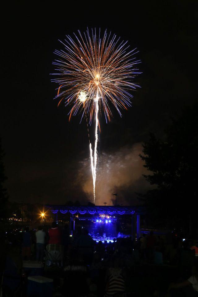 djr-2019-06-27-news-scene-ballard-fireworksp1 (copy)