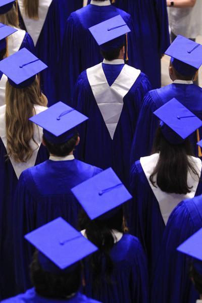 djr-2017-05-20-news-ths-graduationp12