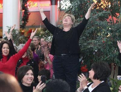 Hallelujah! Tupelo church choir surprises shoppers at the mall
