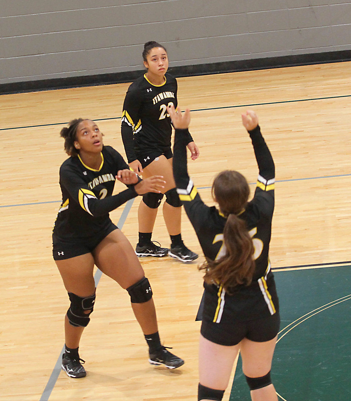 IAHS volleyball