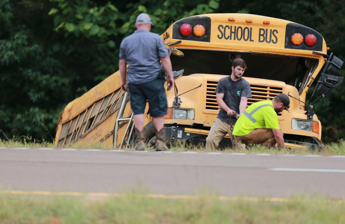 djr-2019-09-11-news-bus-wreck-twp4