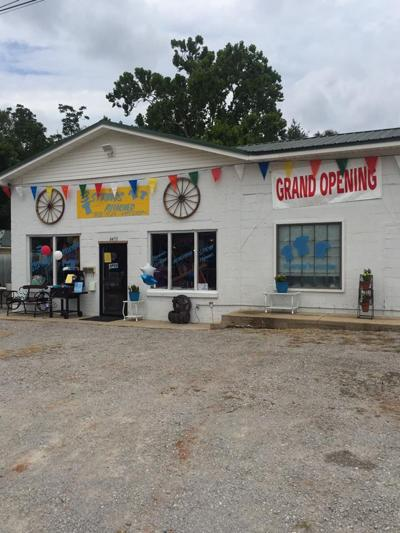 3 Strings Attached offers services and goods to Hickory Flat