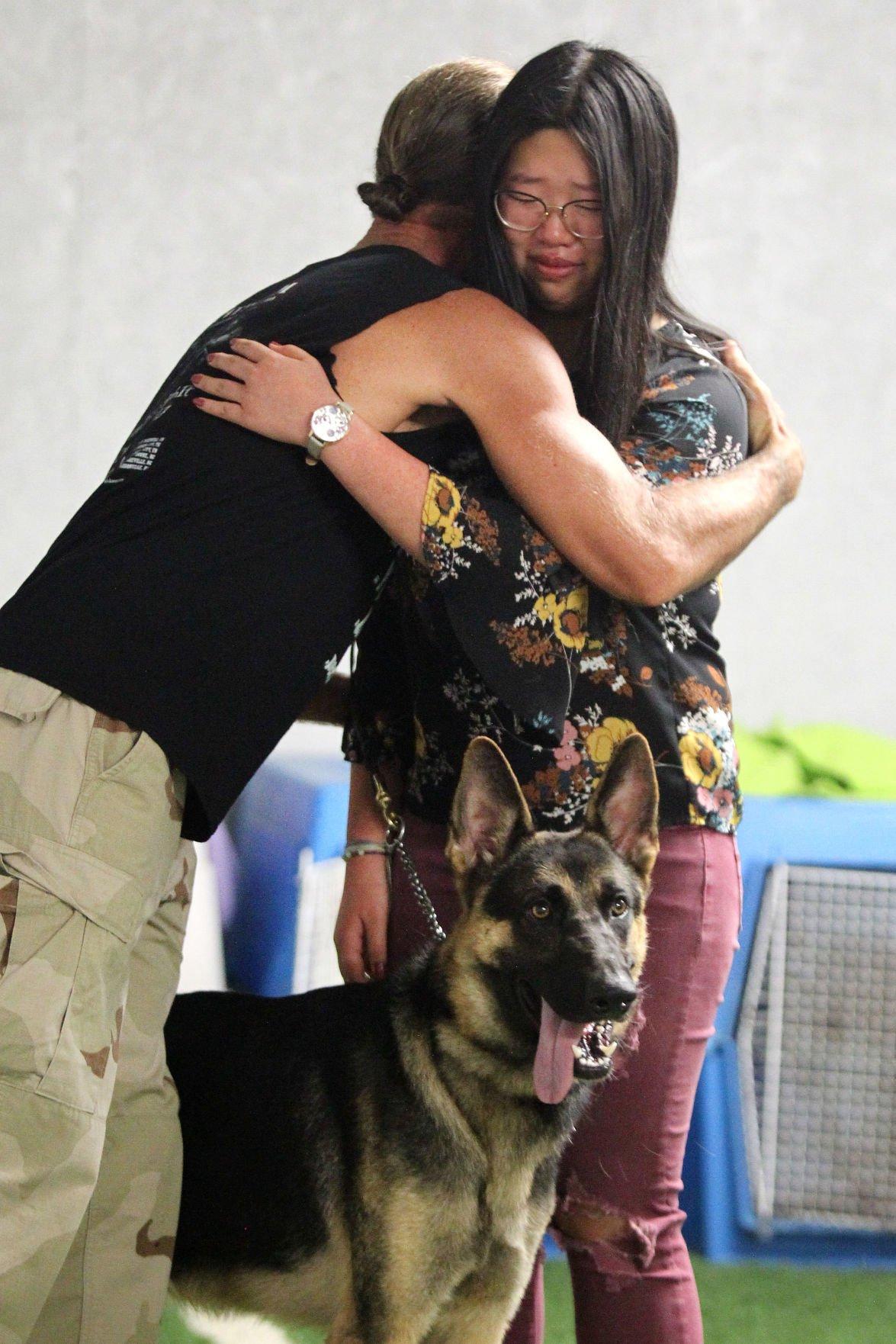 djr-2018-08-14-news-dog-donationp1