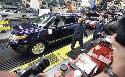 Auto buying picks up