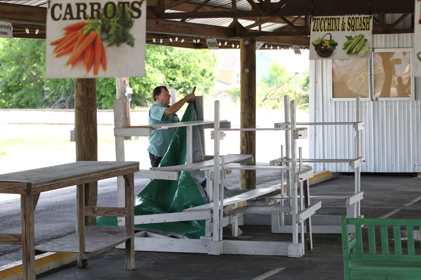 djr-2021-05-06-news-farmers-market-twp4