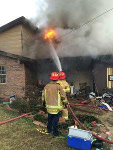 Fire destroys Houston home