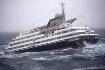 Antarctic cruise ship limping to port in Argentina