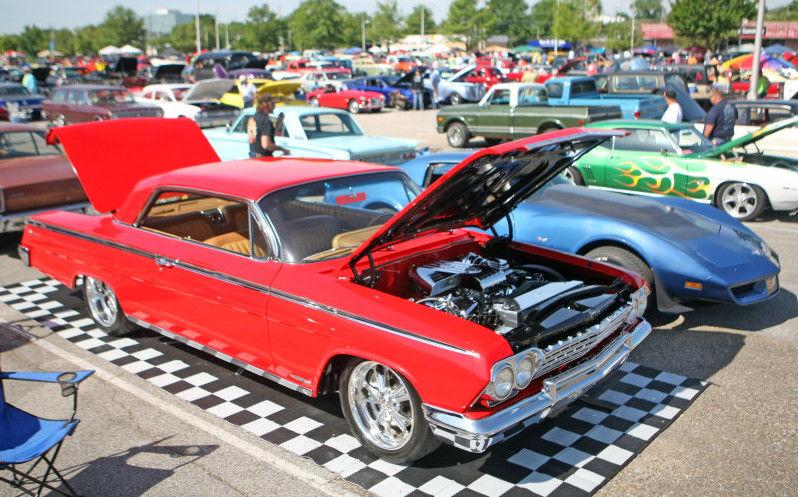 Large Crowds Break Blue Suede Cruise Records Arts Entertainment - Tupelo car show