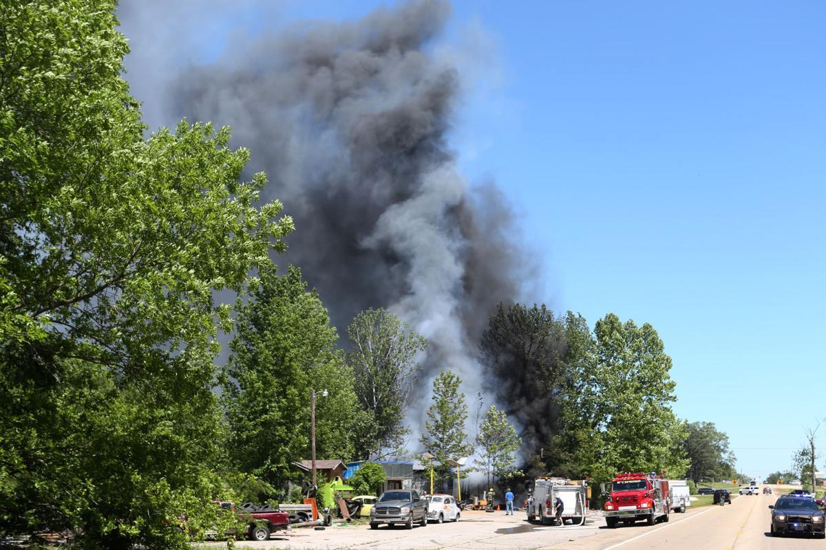djr-2017-05-02-news-mooreville-fire-p2