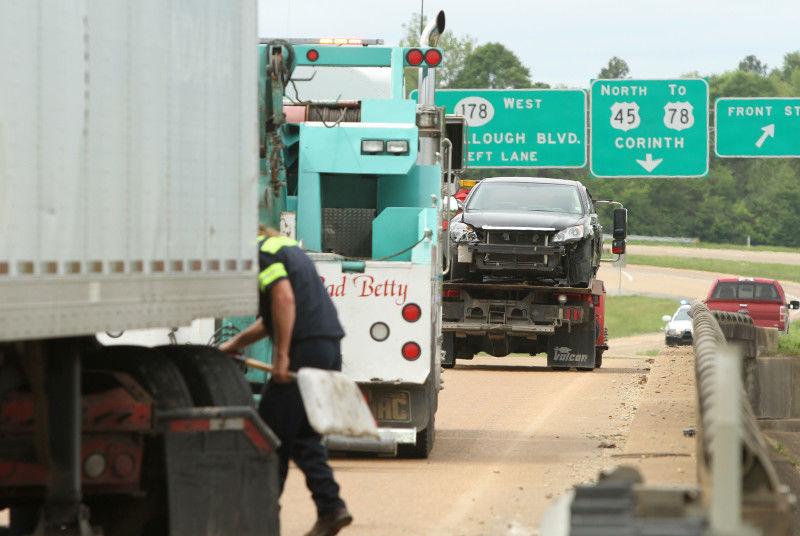 Wreck backs up Tupelo traffic
