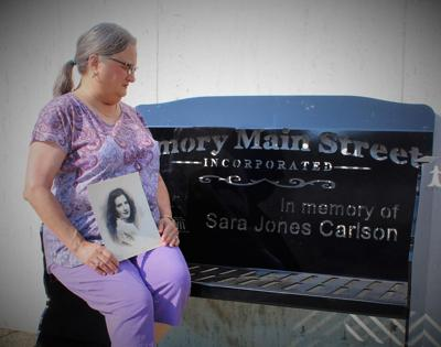mcj-2019-08-28-news-amory-main-street-memorial-benches-carlson