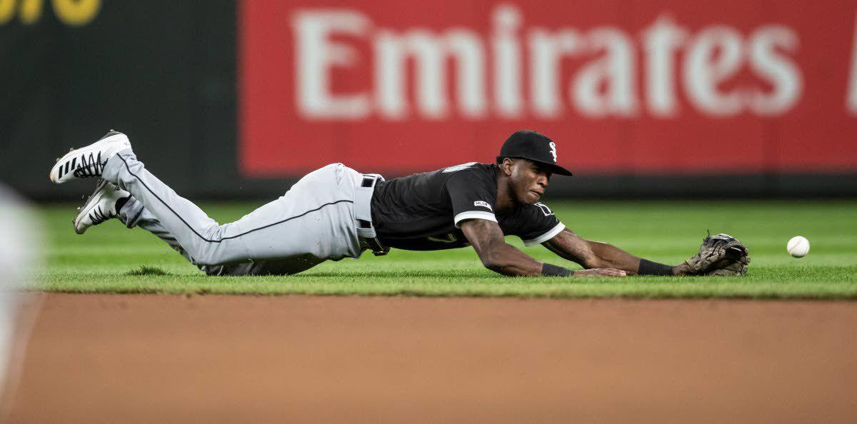Abreu, Moncada lift White Sox over Mariners 9-7