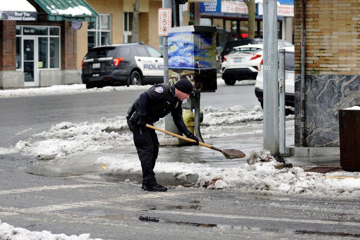 Have shovel, will unclog