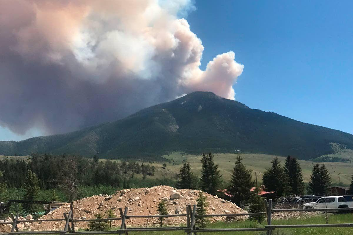 Wind whips up fires as heat grips parts of Montana, Wyoming
