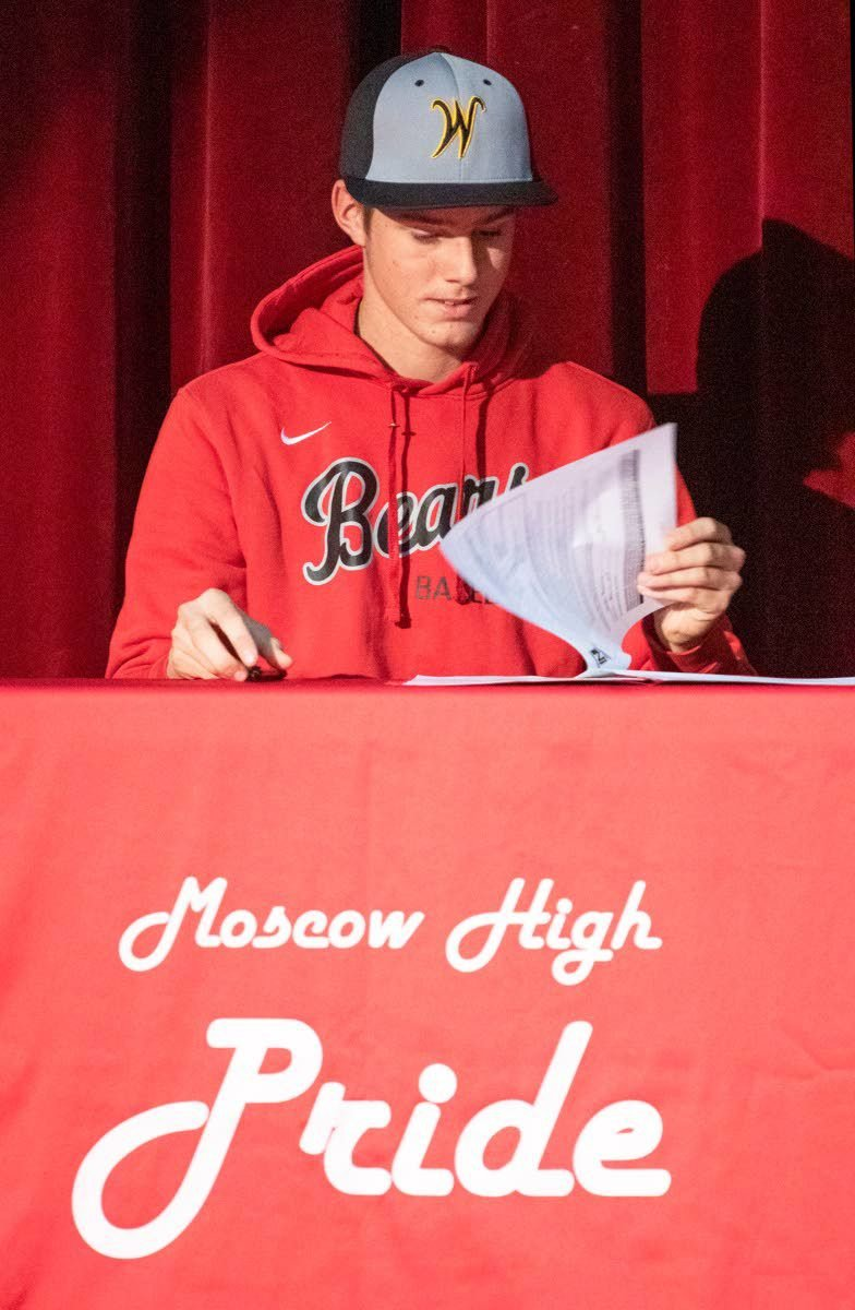 Moscow's Thompson signs with Walla Walla