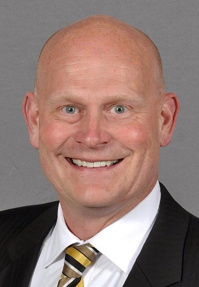 Former UI interim AD Pete Isakson dies