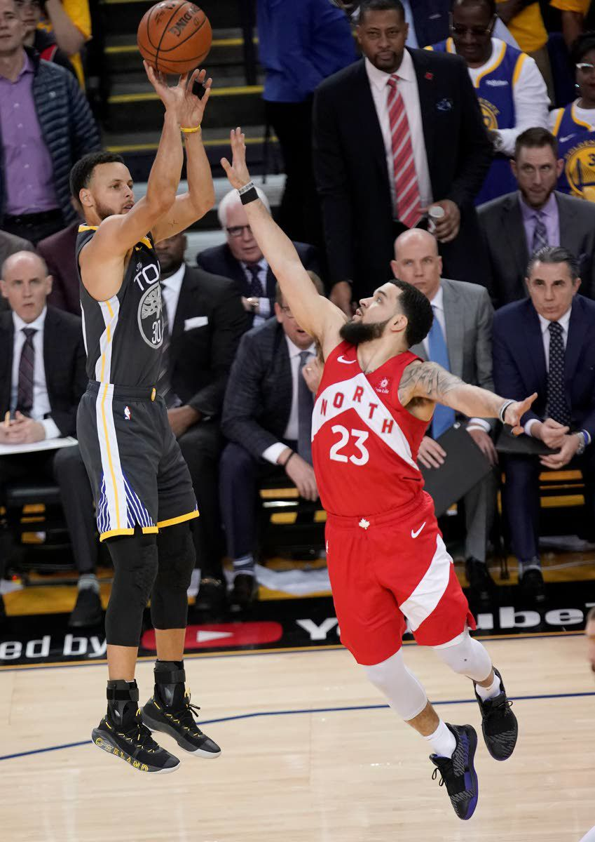 Raptors move closer to 1st title