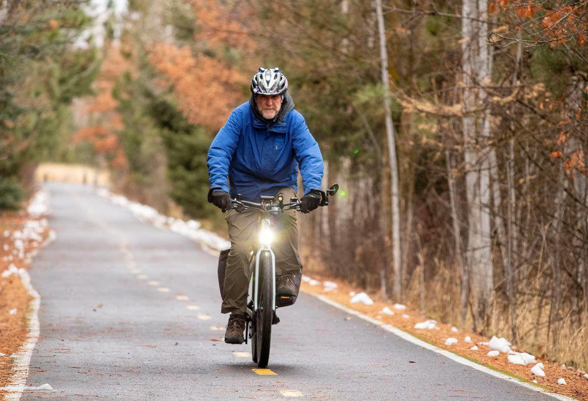 Commission discusses e-bikes on pathways