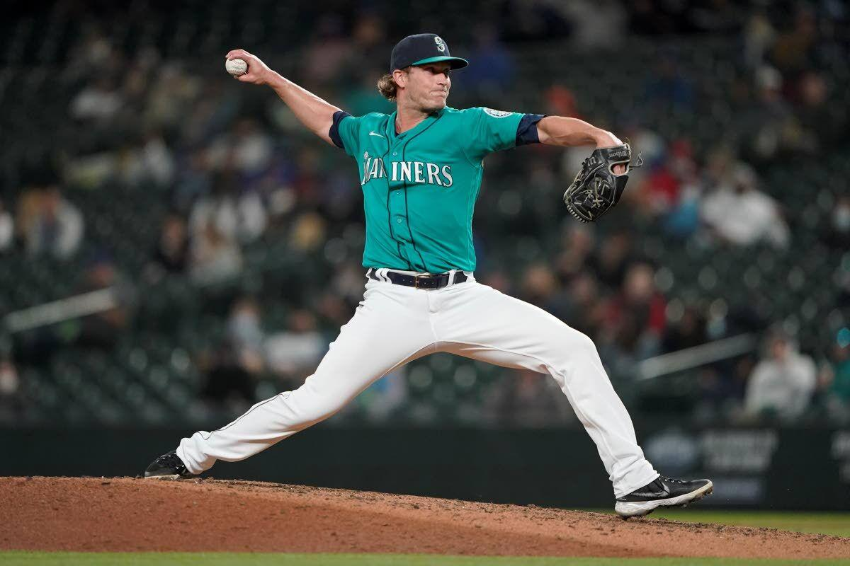 Bullpen and batters combine for M's win