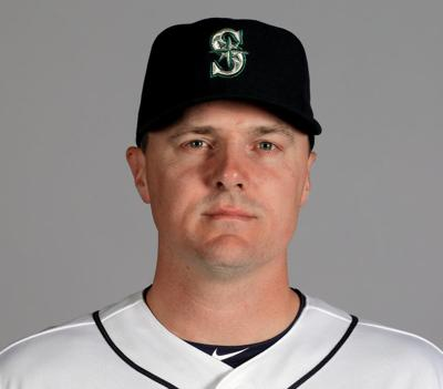 Mariners send OF Bruce to the Phillies